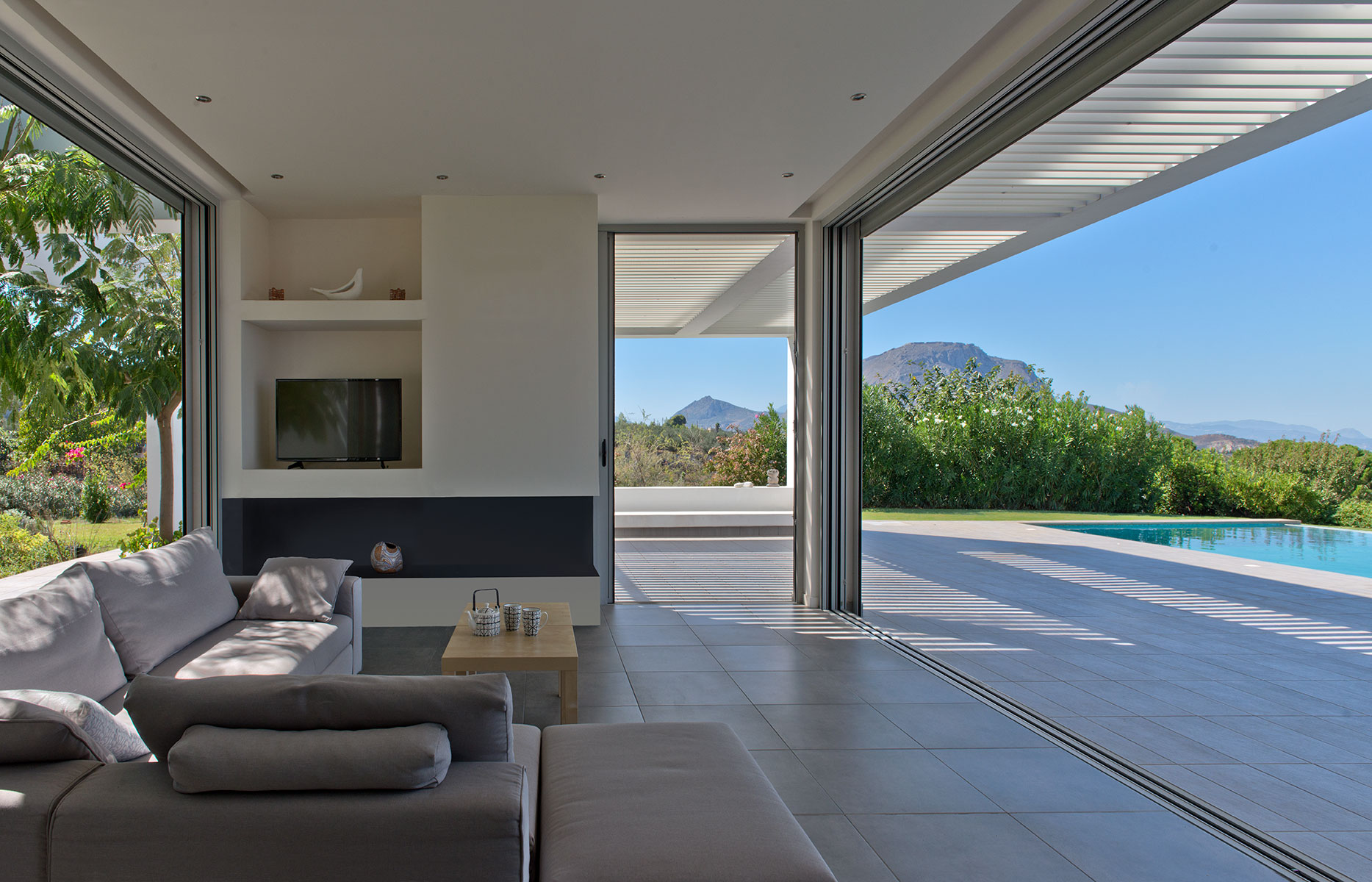 korinthos living room hmera